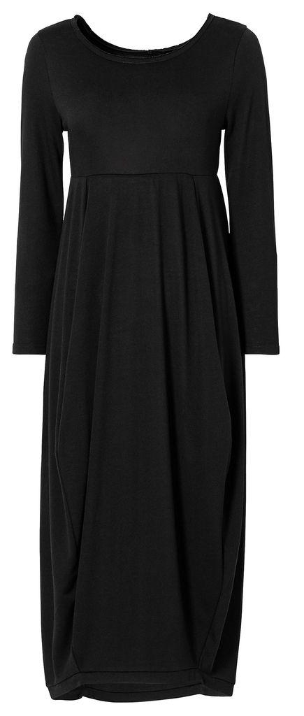 casual black maxi dress <3