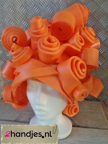 foampruik oranje zelf maken