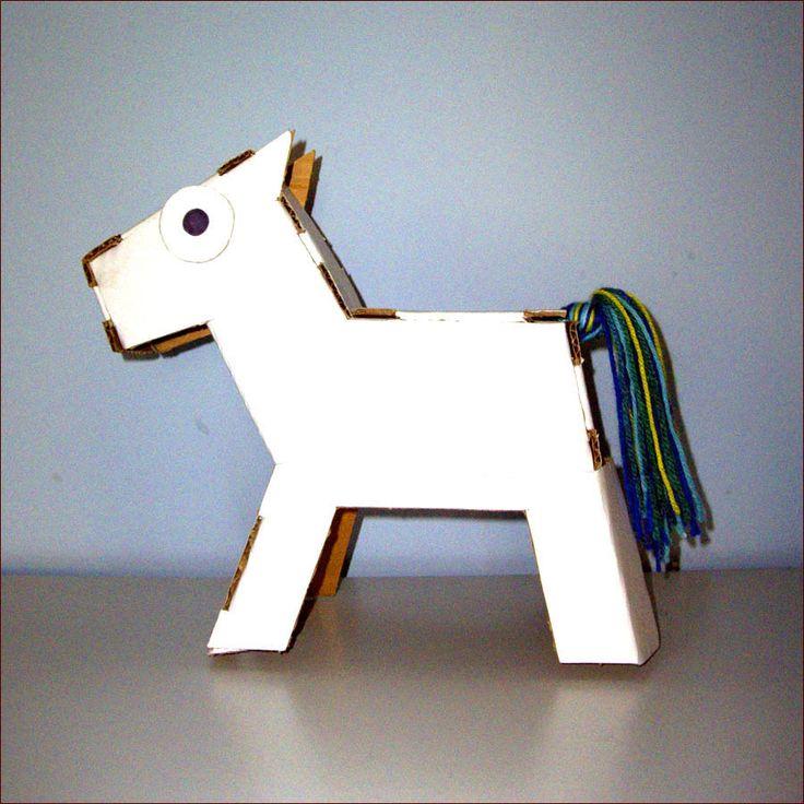 Cavallino giocattolo in cartone da montare e colorare