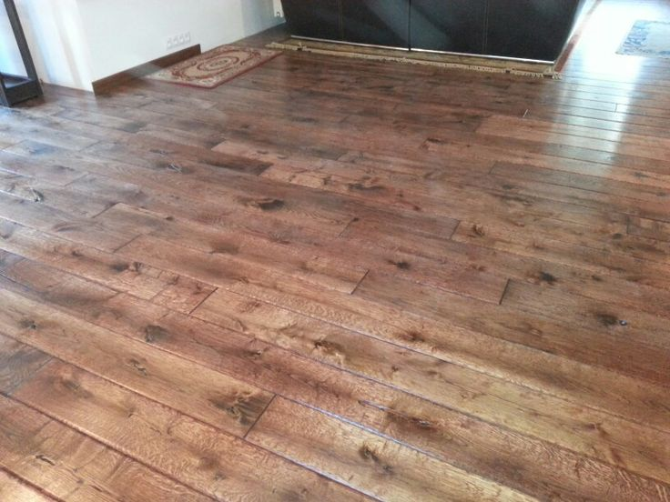 Podłoga rustykalna, ręcznie robiona.