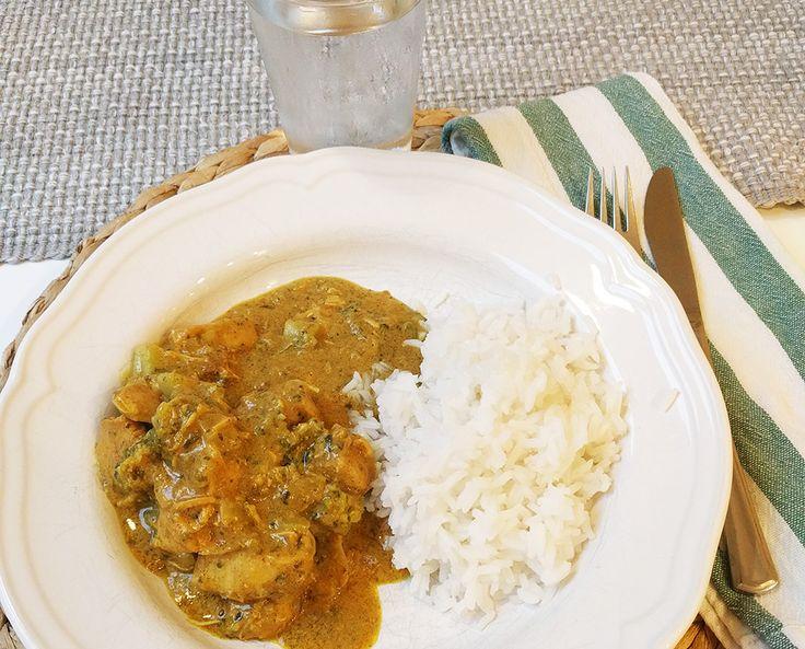 Chicken Korma VVDb.se Korma med kyckling är en av det indiska kökets verkliga höjdpunkter om ni frågar mig. Chicken korma är en curryrätt, kryddad m