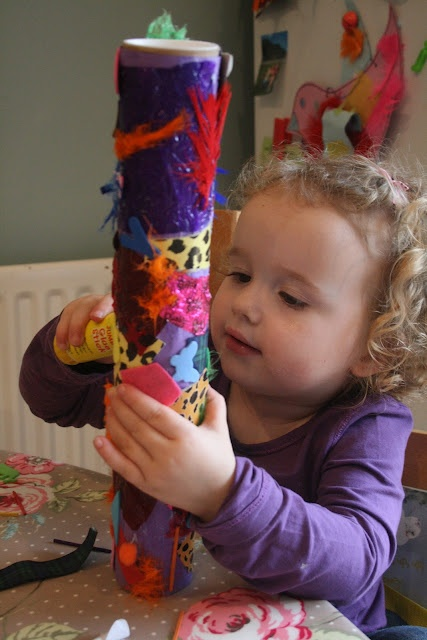 I absolutely love this! Make a rain stick with sturdy cardboard tubes, dried beans a few tiny nails and decorate with paper and fabric and ribbons etc. Such fun! And then enjoy the sound. Wow.