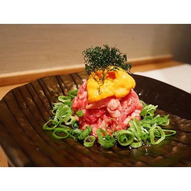 夜中の飯テロ…🥓✨ (今日はジュースクレンズだったから、写真は前に撮ったやつね。笑) #うにく 最高❤️笑 みんな、おやすみなさい♡ ・ #夜中 #飯テロ #夜中の飯テロ #うに #ウニ #にく #肉 #生肉  #ユッケ #最高のコラボ #コラボ #焼肉 #roppongi #六本木  #パワー #スタミナ  #tokyo #japan #東京 #日本 #gn #goodnight #おやすみ #おやすみなさい #instafollow #instafood #instagood #instalike #instahappy