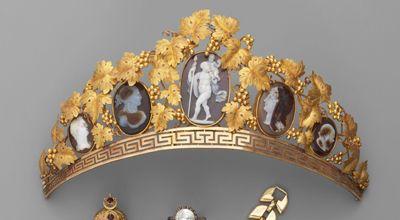 Elément de diadème en or jaune. Début du XIX siècle
