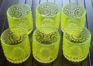 Asumisen-Kauneuden-Musiikin- ?????-Ritari: Grapponia lasit, keltaiset ja kirkkaat