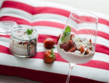 Schlankes Müsli-Erdbeer Dessert - Lean Muesli (Cereal) and Strawberry Dessert