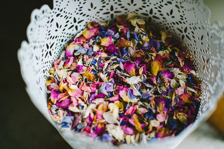 Add a pop of colour to your #wedding  #confetti