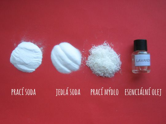 Návod na výrobu domácího pracího prášku. [[MORE]]Co budete potřebovat? • 490 g prací sody (7 dílů) • 140 g jedlé sody (2 díly) • 70 g nastrouhaného pracího mýdla (1 díl) • esenciální olej (několik...