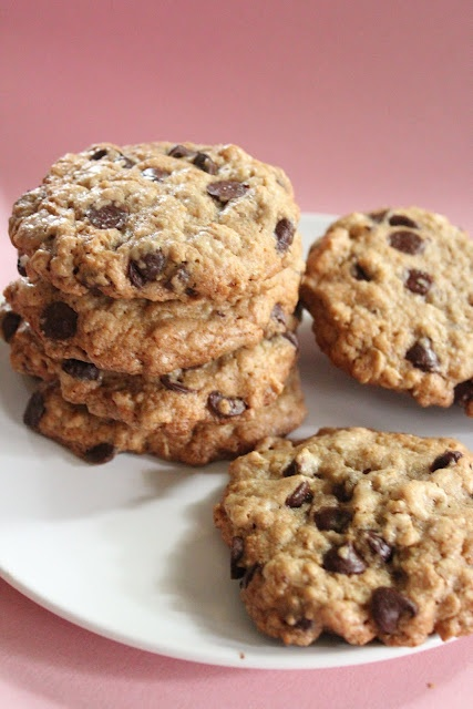 Eat Good 4 Life: Ultimate healthier oatmeal and chocolate chip cookies, wan to try this with Coconut flour.