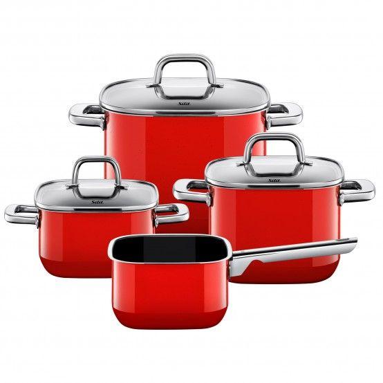 Wer gern und regelmäßig kocht, braucht verschiedene Töpfe, wobei sich für die Standardausstattung ein paar Grundformen bewährt haben. Diese kombiniert Silit in unterschiedlichen Größen zu einer vielfältigen Auswahl. Zu den Topf-Sets gehören Fleisch- und Bratentöpfe mit Deckel sowie, abhängig vom Set, eine Stielkasserolle ohne Deckel. In der Serie miniMAX gibt es zudem ein 3-teiliges Set mit Fleisch- und Gemüsetopf mit Deckel sowie einer Brat- und Servierpfanne ohne Deckel. Wer sich schwer…