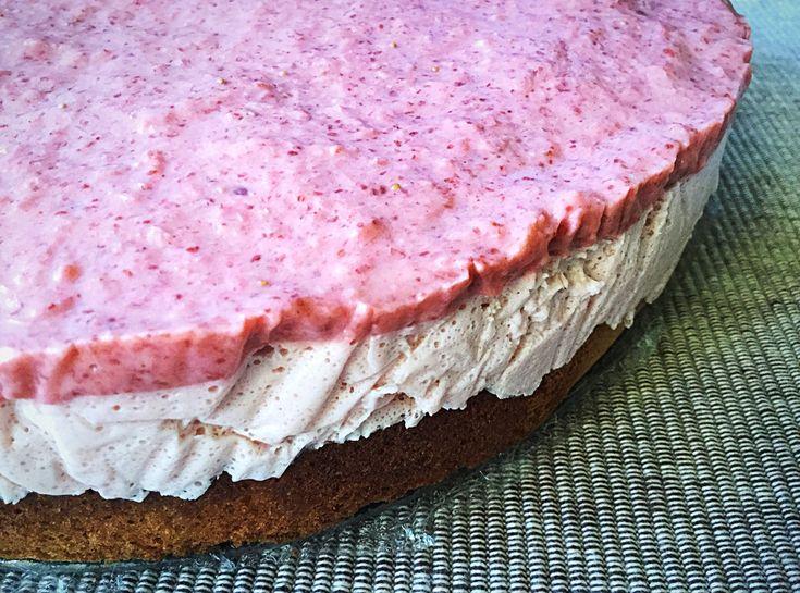 Rebarbarás-gyömbéres epermouuse torta (paleo)