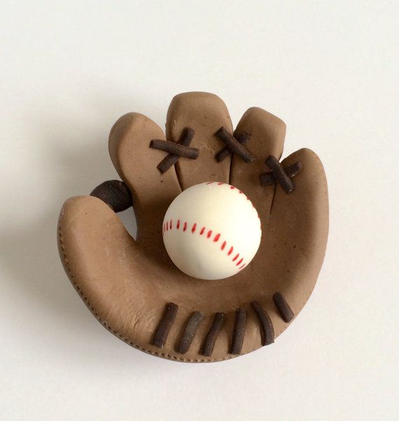 Hey, I found this really awesome Etsy listing at https://www.etsy.com/listing/196594738/baseball-mitt-fondant-cake-topper