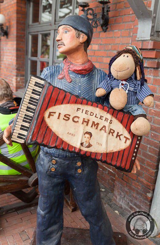 Eine Tour durch die Seestadt Bremerhaven: Folgt mir auf Türme, Kräne und durch die Hafengebiete ...