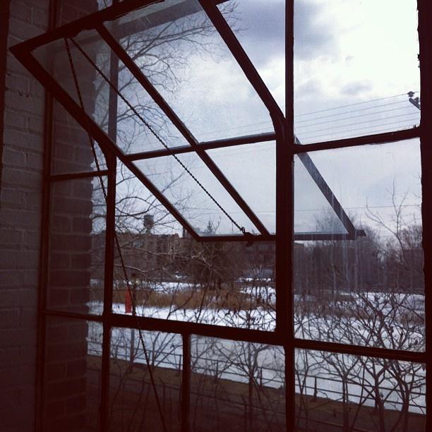 Old school Windows.    Ovrgrnd.ca
