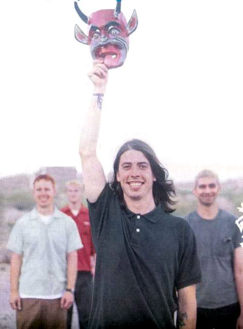 Foo Fighters 1995 ... Uploaded with Pinterest Android app. Get it here: http://bit.ly/w38r4m