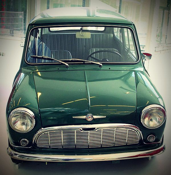 Almond Green Mark I Morris Mini Minor Samme farve som min første bil købt i 1965 for Dkr 15.000