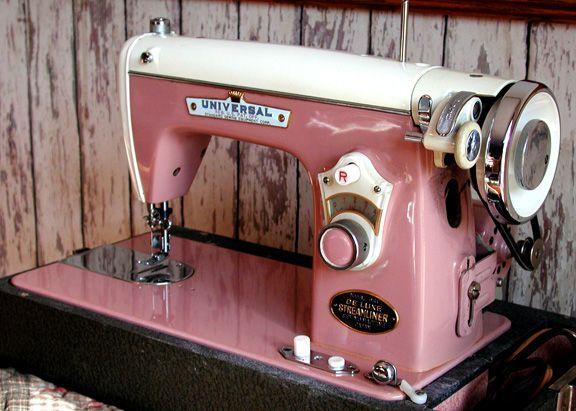 universal de luxe streamliner sewing machine model dst. Black Bedroom Furniture Sets. Home Design Ideas