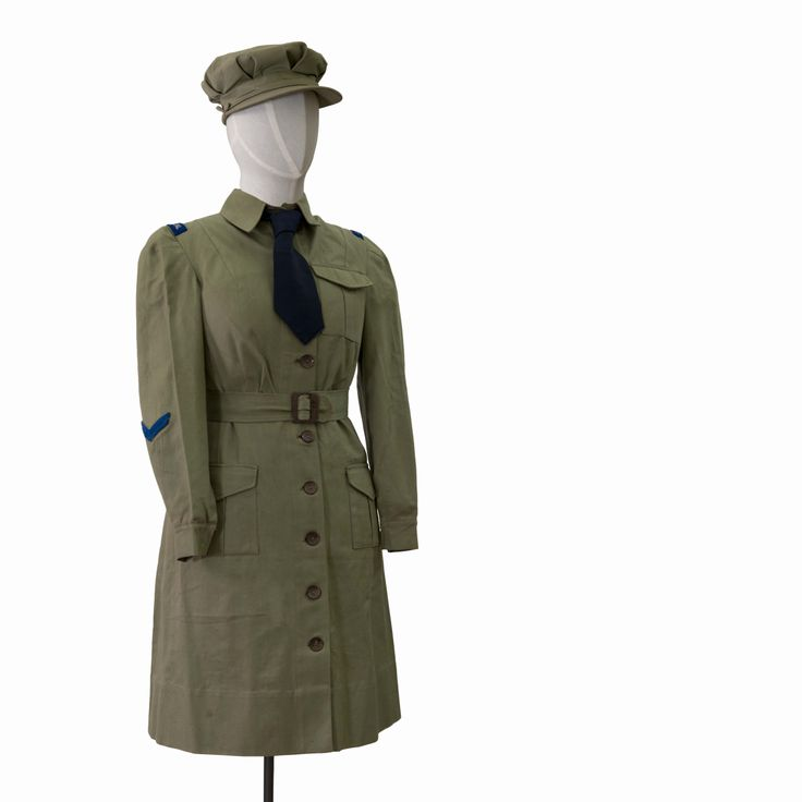 Women's Home Guard uniform, c.1940, gifted by Miss M J Ward, collection of Hawke's Bay Museums Trust, Ruawharo Tā-ū-rangi, 86/75/1