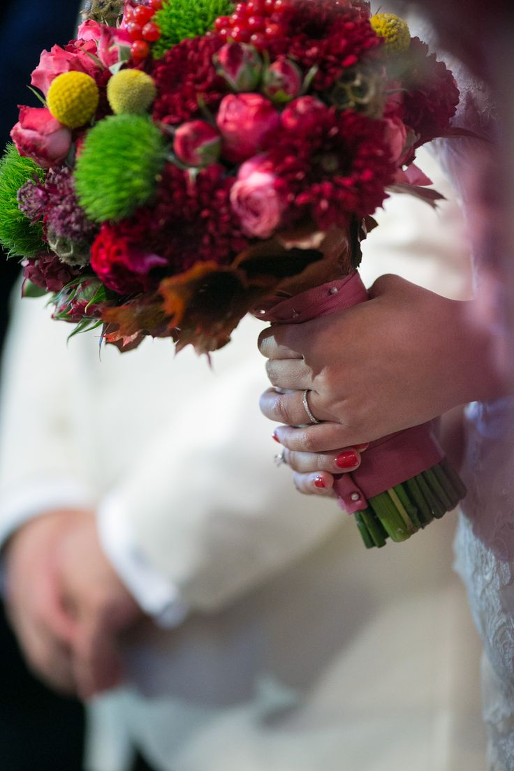 Beautiful autumnal bouquet....and weeding ring :P