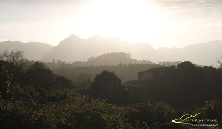 La Sierra del Cuera en el oriente de Asturias vista desde la costa. http://www.asturiastravel.com