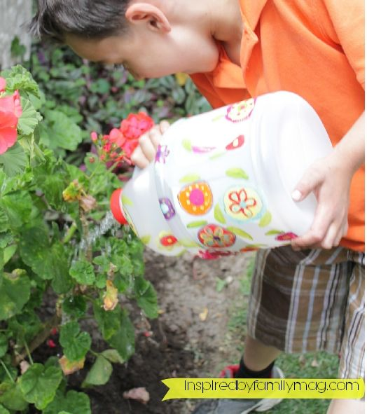 Recycled Bottle Craft: Watering Can - Inspired by Familia