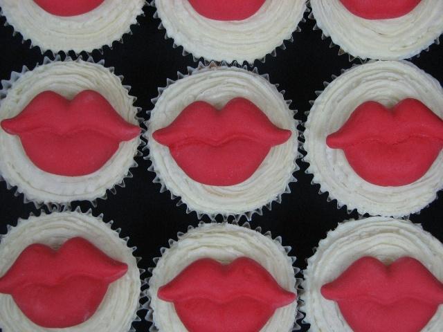 lip cupcakes