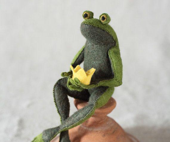Frog Prince PDF pattern