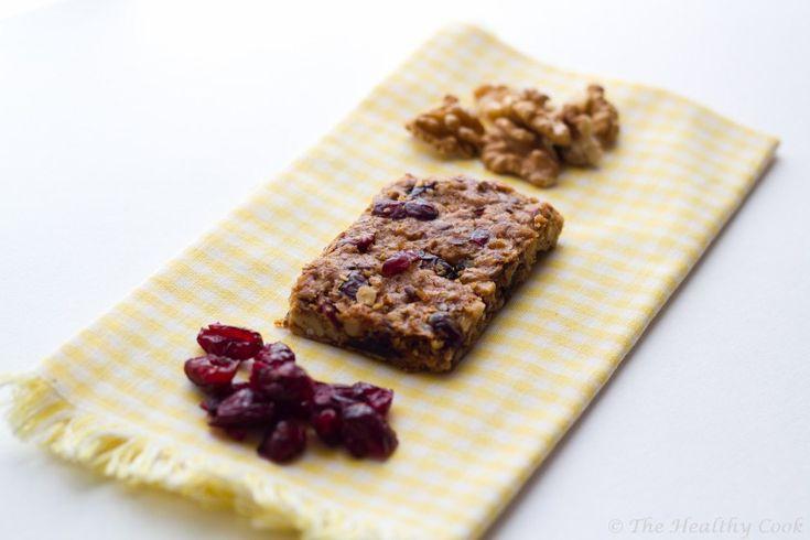 Walnut Granola Bars - Μπάρες δημητριακών με καρύδια και αποξηραμένα κράνα