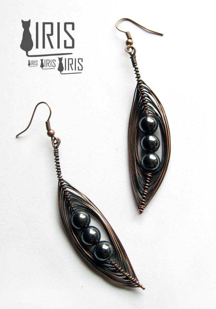 Miedziane kolczyki z hematytem. Copper earrings with hematite.