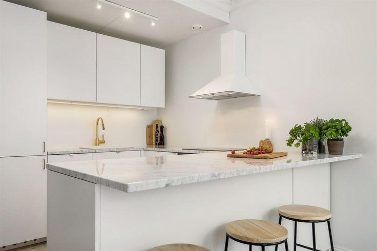 Planlegg ny marmorplate til kjøkkenet ditt...send oss tegning og vi gir deg pris