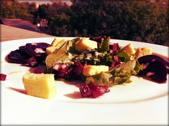 A fresh and crisp beetroot salad served with Gorgonzola flan, mixed greens and tangy dressing!