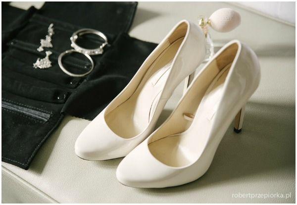 Białe buty ślubne Zara