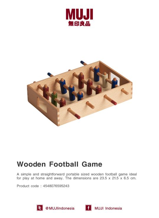 [Wooden Football Game] A simple and straightforward portable sized wooden football game ideal for play at home and away.