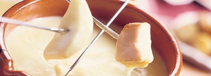 Online kaas bestellen bij kaaswinkel KaasKraam. Bekijk onze ruime selectie kaas, kaasfondue en kaas cadeau's. Bekijk het aanbod nu! http://kaaskraam.com/de