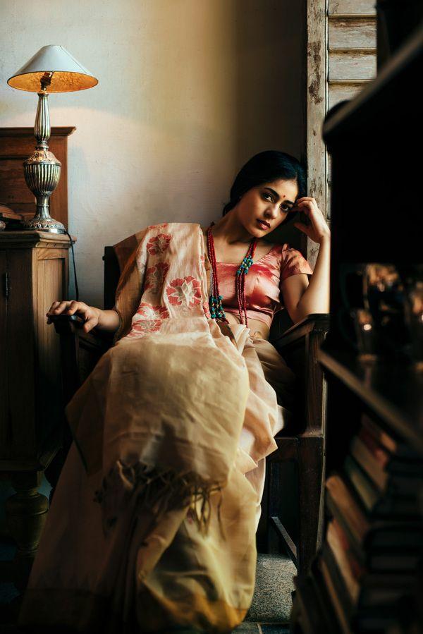 "jhilik: "" s-o-t-e-e: "" LAKSHMI LOOKBOOK Fashion, Photography by Madhavan Palanisamy s-o-t-e-e / Ad Divas Sarees Photo Shoots Vintage Bollywood Magazine "" beautiful. """