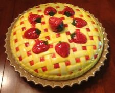 Covered ceramic pie plate with lid strawberry pie design