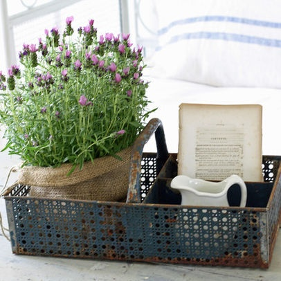 Farmhouse Style Decorating