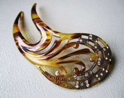1930s celluloid hair comb