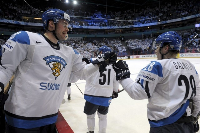 "Team Finland ""high fives"" after first goal, 4.5.2012 Finland vs Belarus"