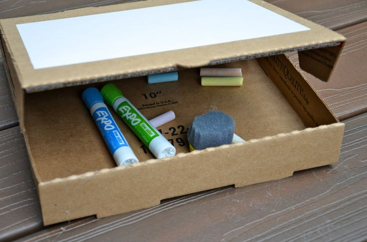 Fun craft project with kids...Make your own travel easel from an old (or new) pizza box!