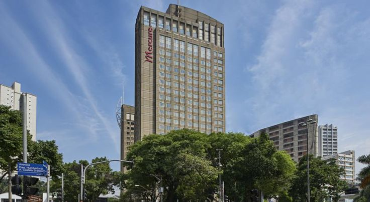 Mercure Guarulhos Aeroporto Hotel Guarulhos This charming property has long been a favourite in Sao Paulo for both business and leisure travellers.  115 apartments. Located in the city centre of Guarulhos, 2 km from the shopping mall and the Bosque Maia botanic gardens.