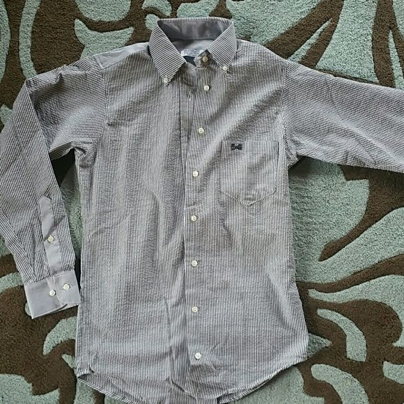 Women's woven fraternity collection button up shir Size xs. Can fit small. Brand new with tags. Blue and white seersucker type. The Fraternity collection  Tops Button Down Shirts