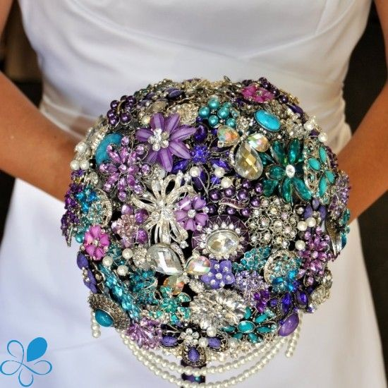 Cascading Brooch Bouquet | Blue Petyl BouquetsBlue Petyl Bouquets
