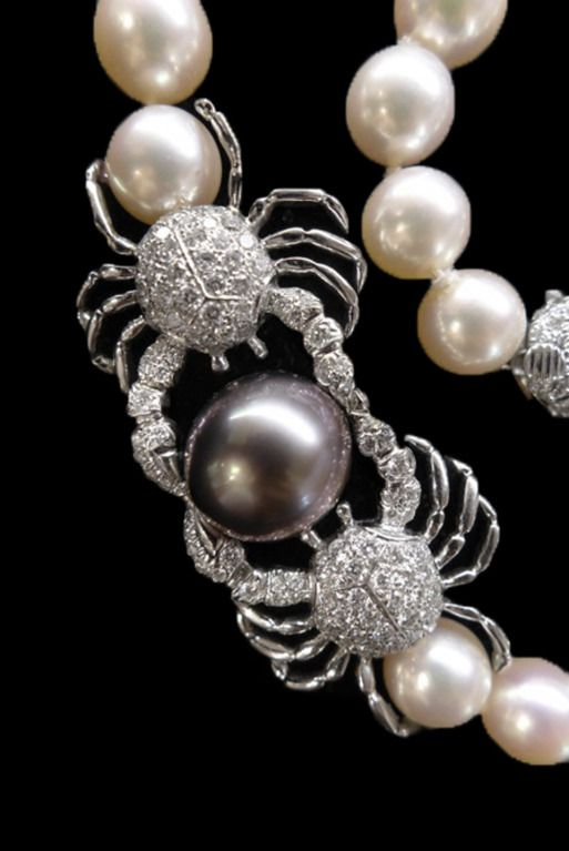 Tiffany Pearl Necklace with a Brilliant Pave Set Center  image 3