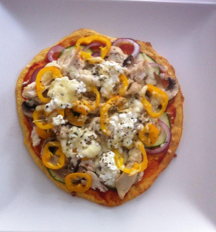 Ernæringsforbedret pizza anyone? Her er et super lækkert og simpelt alternativ til den ellers kalorietunge pizza.
