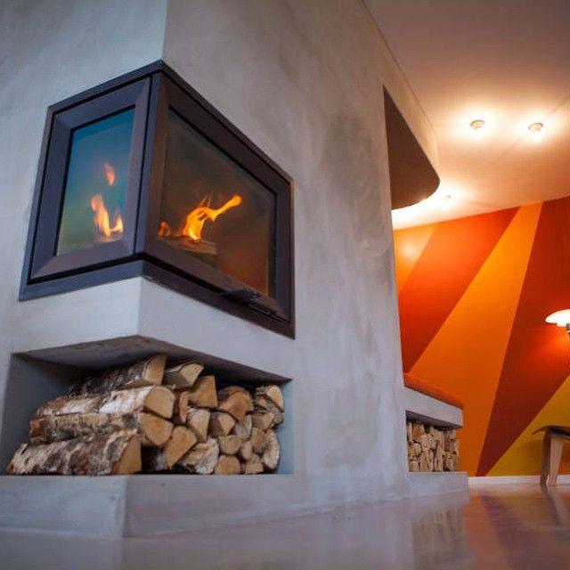 Så dere #tidforhjem på #TV2 i går? Den integrerte peisveggen bygget Ildstedet Varme As i Bergen. Lekkert! #jøtul #jøtuli520 #peis #peisinnsats #peiskos #koseligmedpeis