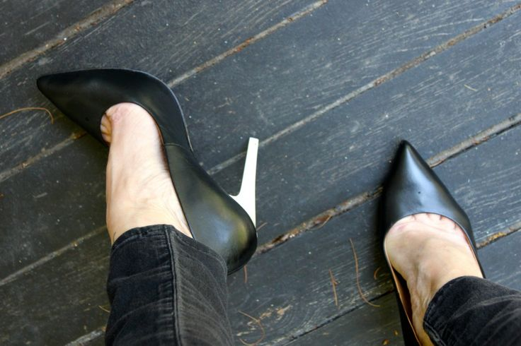 Can You Stretch Leather Shoes With Blowdryer