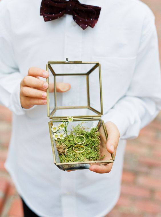 Vintage glass ring box: http://www.stylemepretty.com/2016/04/11/wedding-with-earthy-floral-greenery/ | Photography: Loft Photography - http://www.loftphotography.com/: