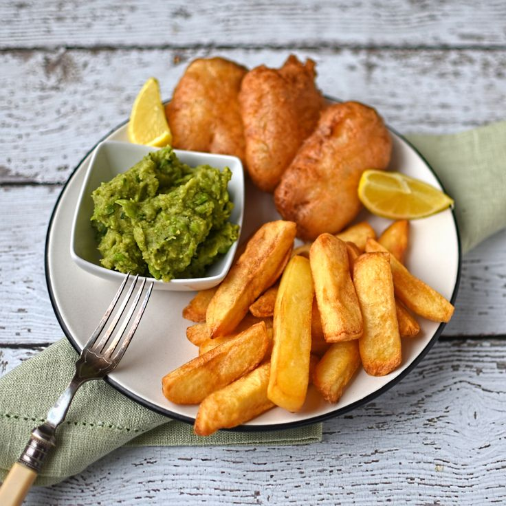 """beer battered halloumi with chips and """"mushy"""" peas - #vvegetarian """"fish and chips""""!"""