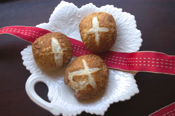 Homemade Pretzel Rolls   Bread rolls and more   Pinterest